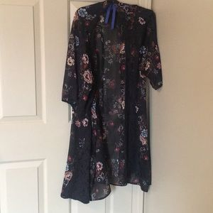 American Eagle Outfitters Other - flower kimono